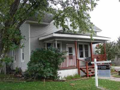 Dodgeville Single Family Home For Sale: 3136 S Main St