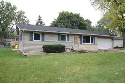 Janesville Single Family Home For Sale: 3128 Royal Rd