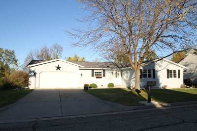Lodi Single Family Home For Sale: 123 Joyce Dr
