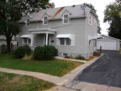 Lancaster WI Single Family Home For Sale: $114,000