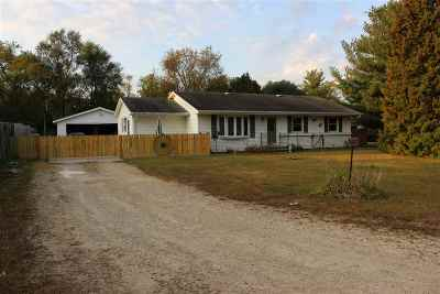 Janesville Single Family Home For Sale: 3153 S Hwy 51