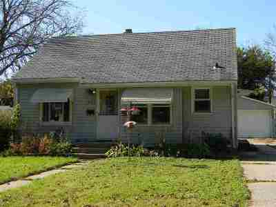 Janesville Single Family Home For Sale: 1025 N Walnut St
