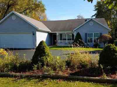 Oregon Single Family Home For Sale: 126 Thomson Ln