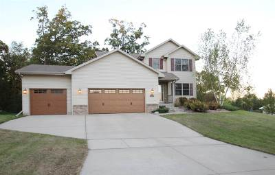 Janesville Single Family Home For Sale: 4431 Galaxy Dr