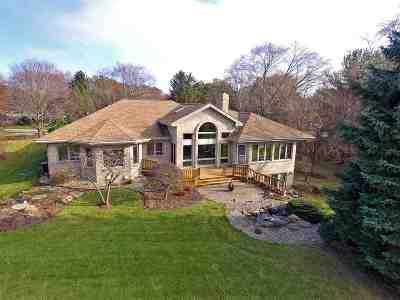 Middleton Single Family Home For Sale: 3908 Sumac Cir