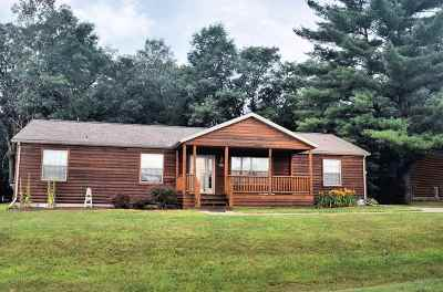 Wisconsin Dells Single Family Home For Sale: 303 Oakbrook Dr