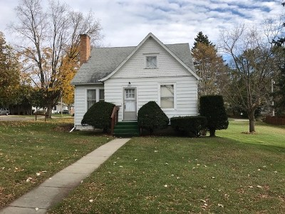 Mount Horeb Single Family Home For Sale: 301 S 2nd St
