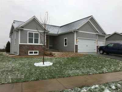 Sun Prairie Single Family Home For Sale: 1412 Stonewood Crossing