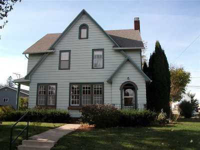 Lancaster WI Single Family Home For Sale: $119,900