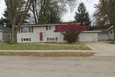 Dodge County Single Family Home For Sale: 1020 W Burnett St