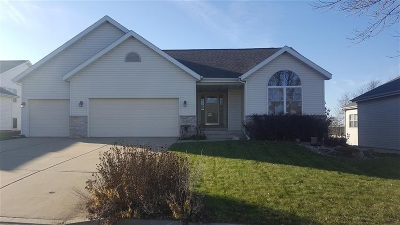 Dane County Single Family Home For Sale: 350 Heatherstone Dr