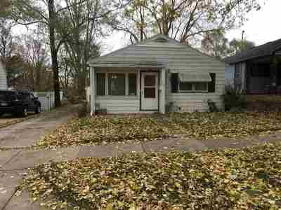 Dane County Single Family Home For Sale: 1813 Loftsgordon Ave