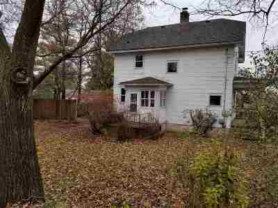 Milton Single Family Home For Sale: 434 Davis St