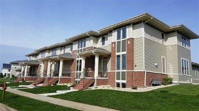 Sun Prairie Condo/Townhouse For Sale: 2533 New Town Dr