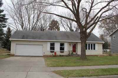 Sun Prairie Single Family Home For Sale: 1309 Vandenburg St
