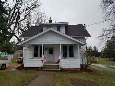 Single Family Home Sold: 1940 18th St