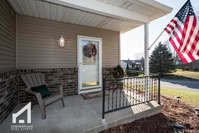 Verona Condo/Townhouse For Sale: 843 Hemlock Dr