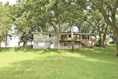 Stoughton Multi Family Home For Sale: 747 Bass Lake Ct