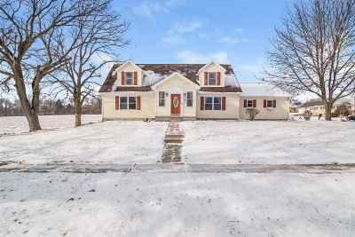 Waterloo Single Family Home For Sale: 685 Bluegrass Tr