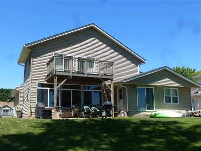 Edgerton WI Single Family Home For Sale: $294,500