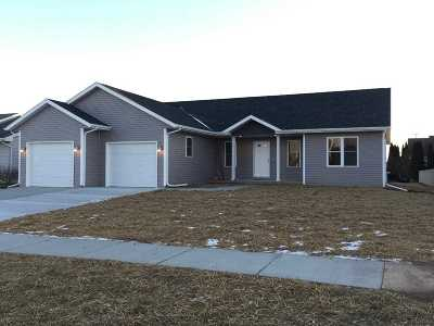 Janesville Single Family Home For Sale: 1210 Terapin Tr