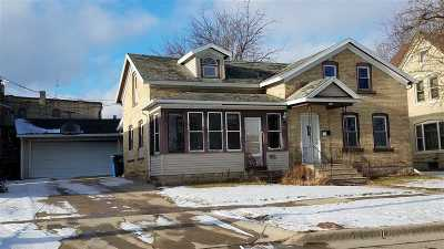 Columbus Single Family Home For Sale: 121 N Water St
