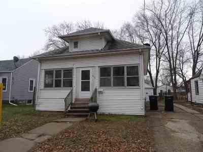 Beloit Single Family Home For Sale: 1210 Copeland Ave