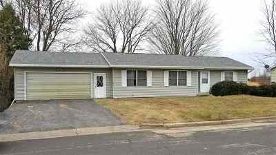 Lancaster WI Single Family Home For Sale: $106,000