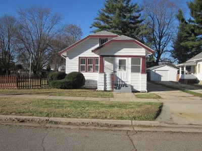 Janesville Single Family Home For Sale: 25 N Pine St