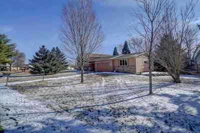 Deforest Single Family Home For Sale: 4521 Prairie Pl
