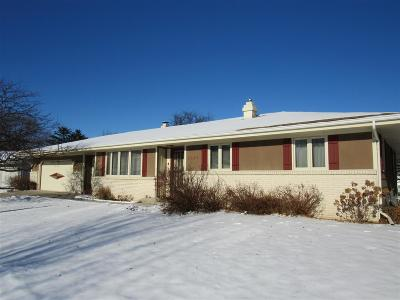 Janesville Single Family Home For Sale: 2624 Alexandria Pl