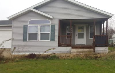 Beloit Single Family Home For Sale: 2535 Pioneer Dr