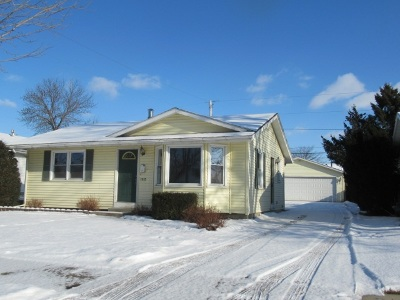 Janesville Single Family Home For Sale: 1915 S Willard Ave