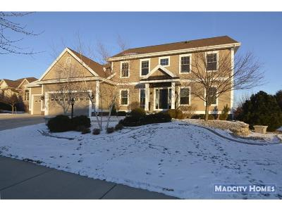 Waunakee Single Family Home For Sale: 1728 Dunwoody Ln