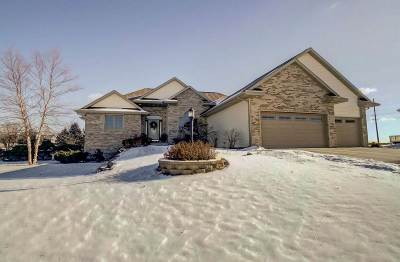 Sun Prairie Single Family Home For Sale: 6612 Longhorn Ln