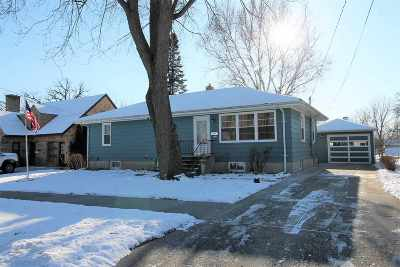 Janesville Single Family Home For Sale: 1213 Mole Ave