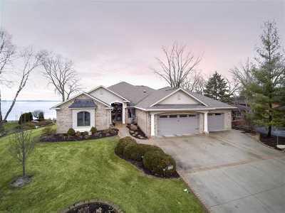 Dodge County Single Family Home For Sale: 1438 Hiawatha Dr