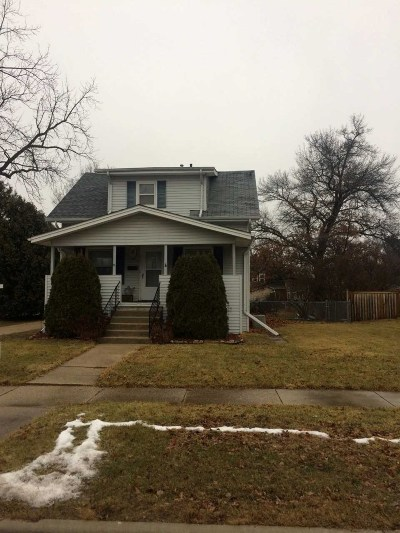 Janesville Single Family Home For Sale: 1409 E Holmes St