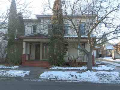 Janesville Single Family Home For Sale: 312 S Academy St