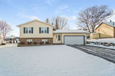 Sun Prairie Single Family Home For Sale: 912 Olympic St