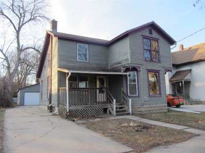 Janesville Single Family Home For Sale: 314 Cherry St