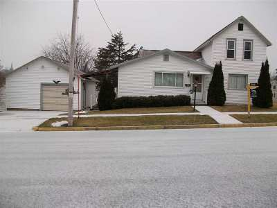 Lancaster WI Single Family Home For Sale: $95,000