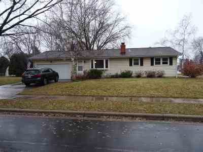 Sun Prairie Single Family Home For Sale: 124 Davison Dr
