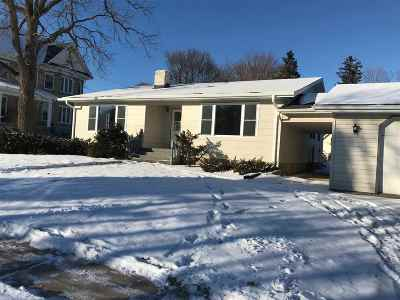 Dodgeville Single Family Home For Sale: 310 W Fountain St