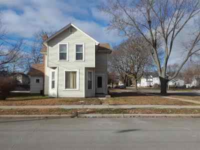Janesville Single Family Home For Sale: 602 Cherry St