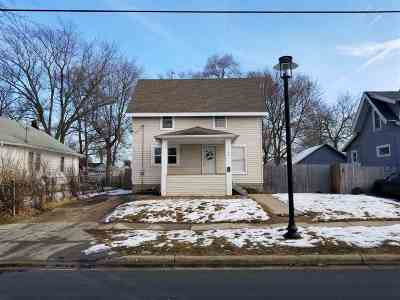 Beloit Single Family Home For Sale: 1747 Wisconsin Ave