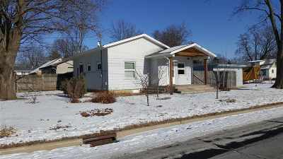 Madison Single Family Home For Sale: 613 Christianson Ave