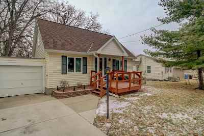 Middleton Single Family Home For Sale: 6506 Oakwood Pl