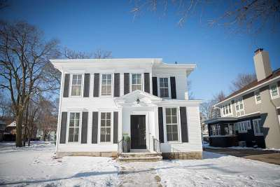 Rock County Single Family Home For Sale: 704 Park Ave
