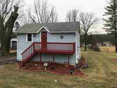 Edgerton Single Family Home For Sale: 4009 W County Road M
